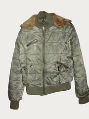Стильная женская осення курточка на искусственном меху с капюшоном
