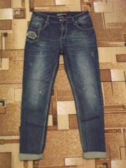 Продам стильные,  удобные джинсы б/у