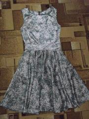 Продам шикарное атласное платье б/у